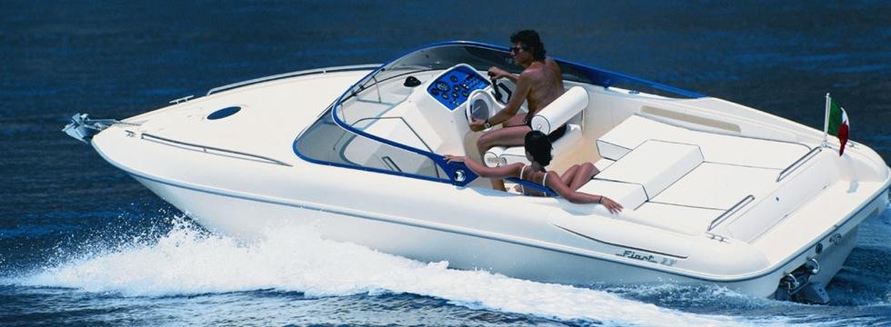 Escursione in barca lungo la Riviera