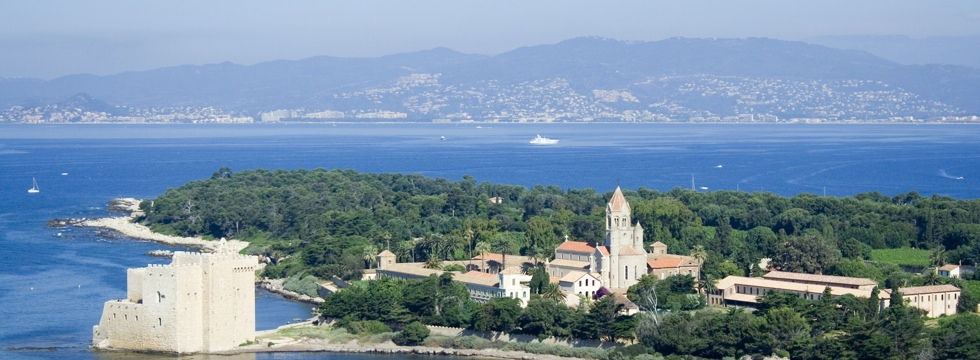 Excursion by boat to the Lerins Islands